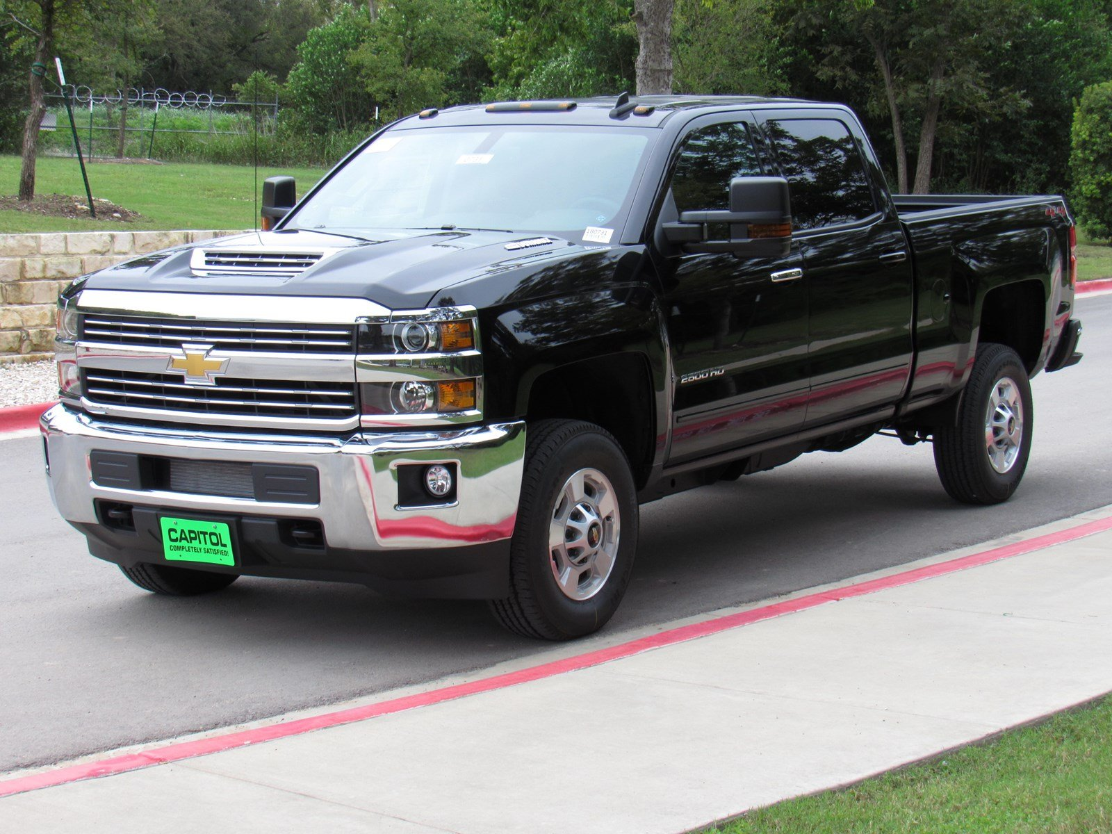 new 2018 chevrolet silverado 2500hd lt crew cab pickup in austin 180731 capitol chevrolet. Black Bedroom Furniture Sets. Home Design Ideas